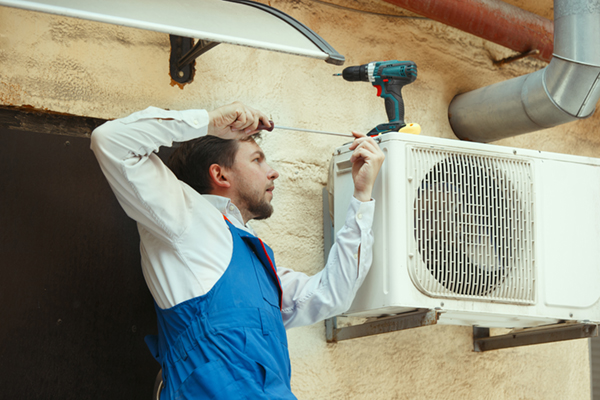 Refrigeration and Air Conditioning Technician